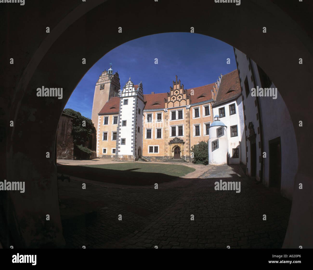 Renaissanceschloss und Schlosshof in Strehla, Elbe, Sachsen Stock Photo