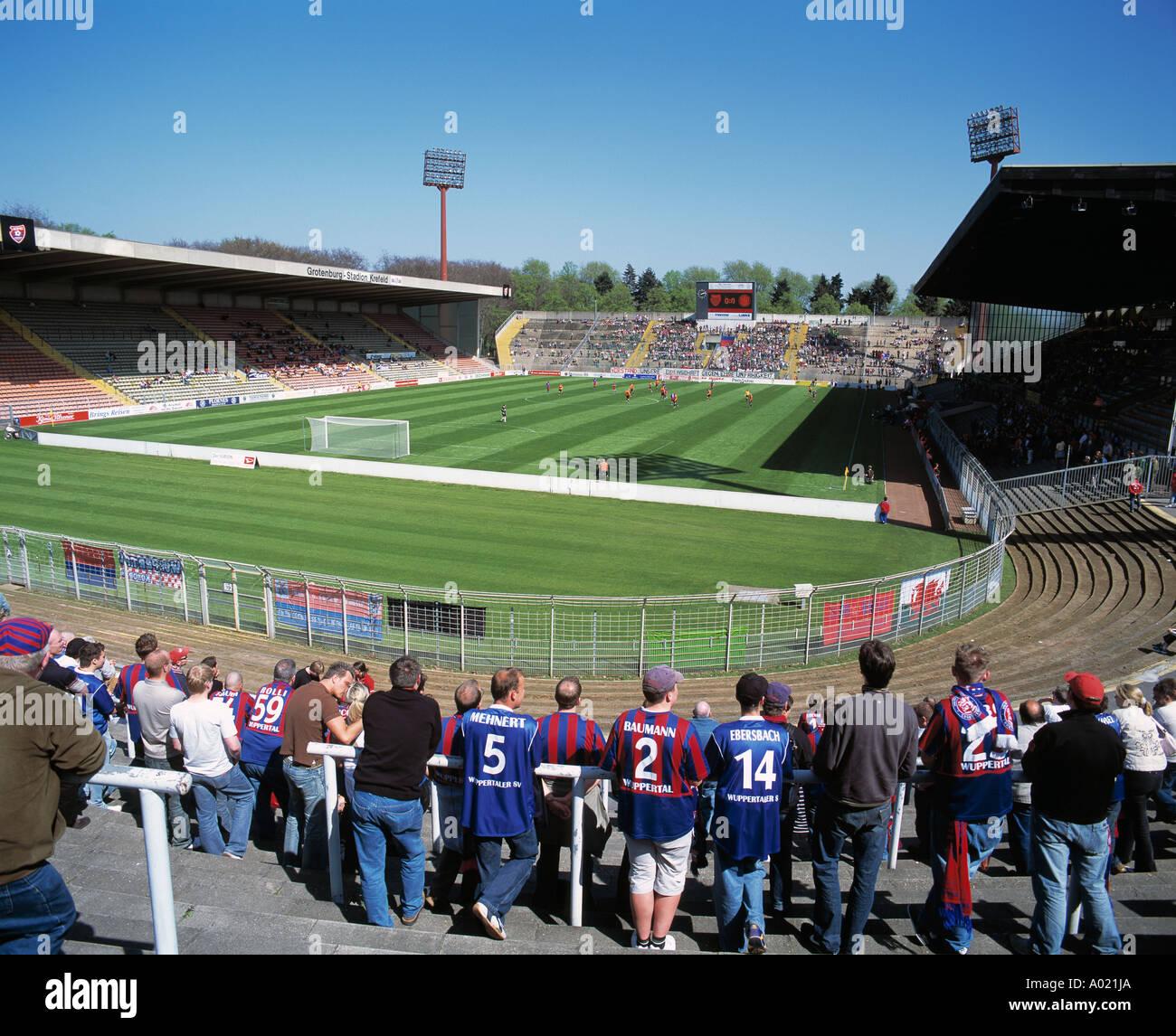 D-Krefeld, Lower Rhine, North Rhine-Westphalia, D-Krefeld-Uerdingen, sports, football, Regionalliga North, 2004/2005, KFC Uerdingen 05 versus SV Wuppertal 1:1, Grotenburg Stadium, total view, panorama, crowd of spectators, Wuppertal fans, not many spectat - Stock Image