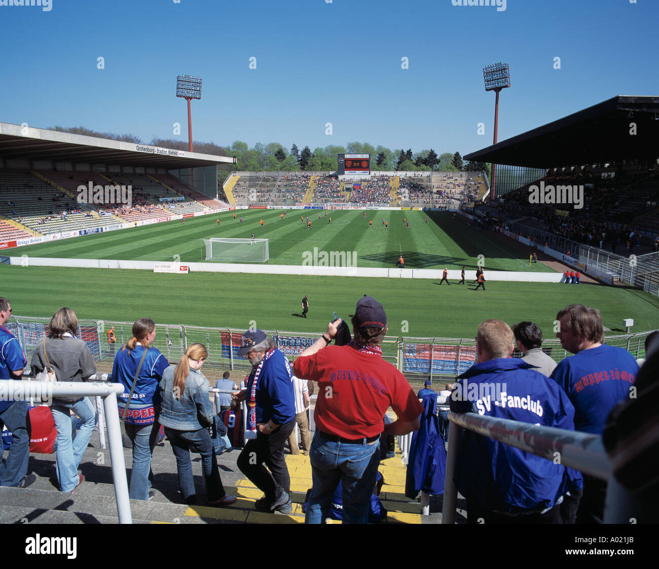 D-Krefeld, Lower Rhine, North Rhine-Westphalia, D-Krefeld-Uerdingen, sports, football, Regionalliga North, 2004/2005, KFC Uerdingen 05 versus SV Wuppertal 1:1, Grotenburg Stadium, total view, panorama, crowd of spectators, Wuppertal fans, not many spectat - Stock Image