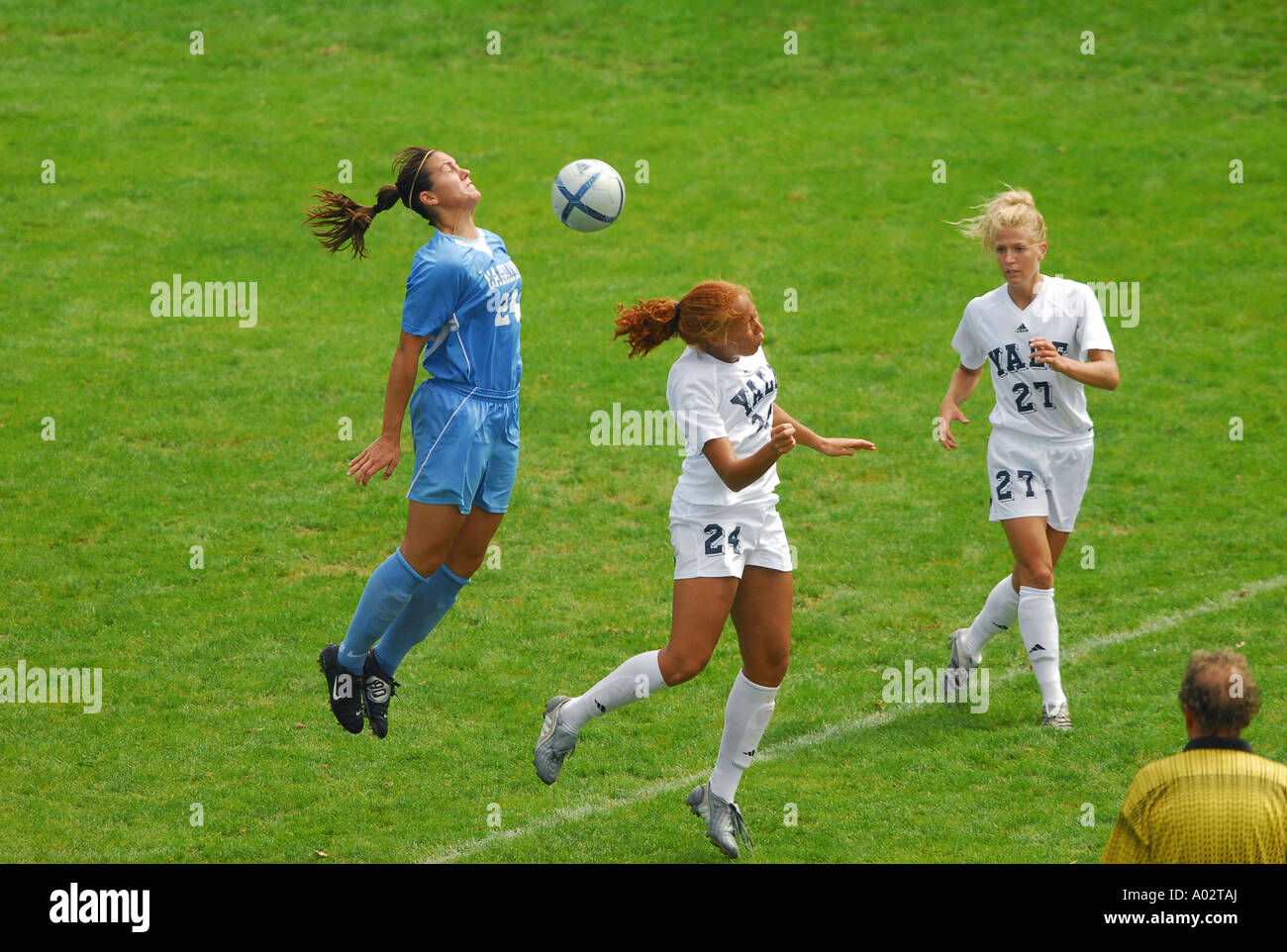 079675a1e4f Yale Vs North Carolina Women s soccer New Haven CT USA Stock Photo ...