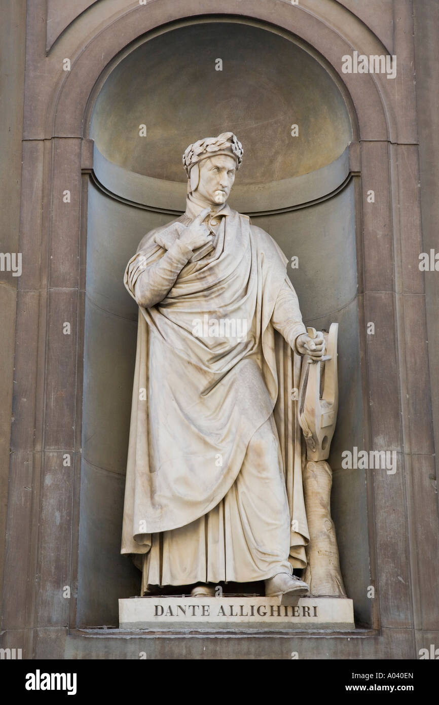 Statue of Dante Allighieri and Italian poet 1265 1321 at the Uffizi Gallery Firenze Italy - Stock Image