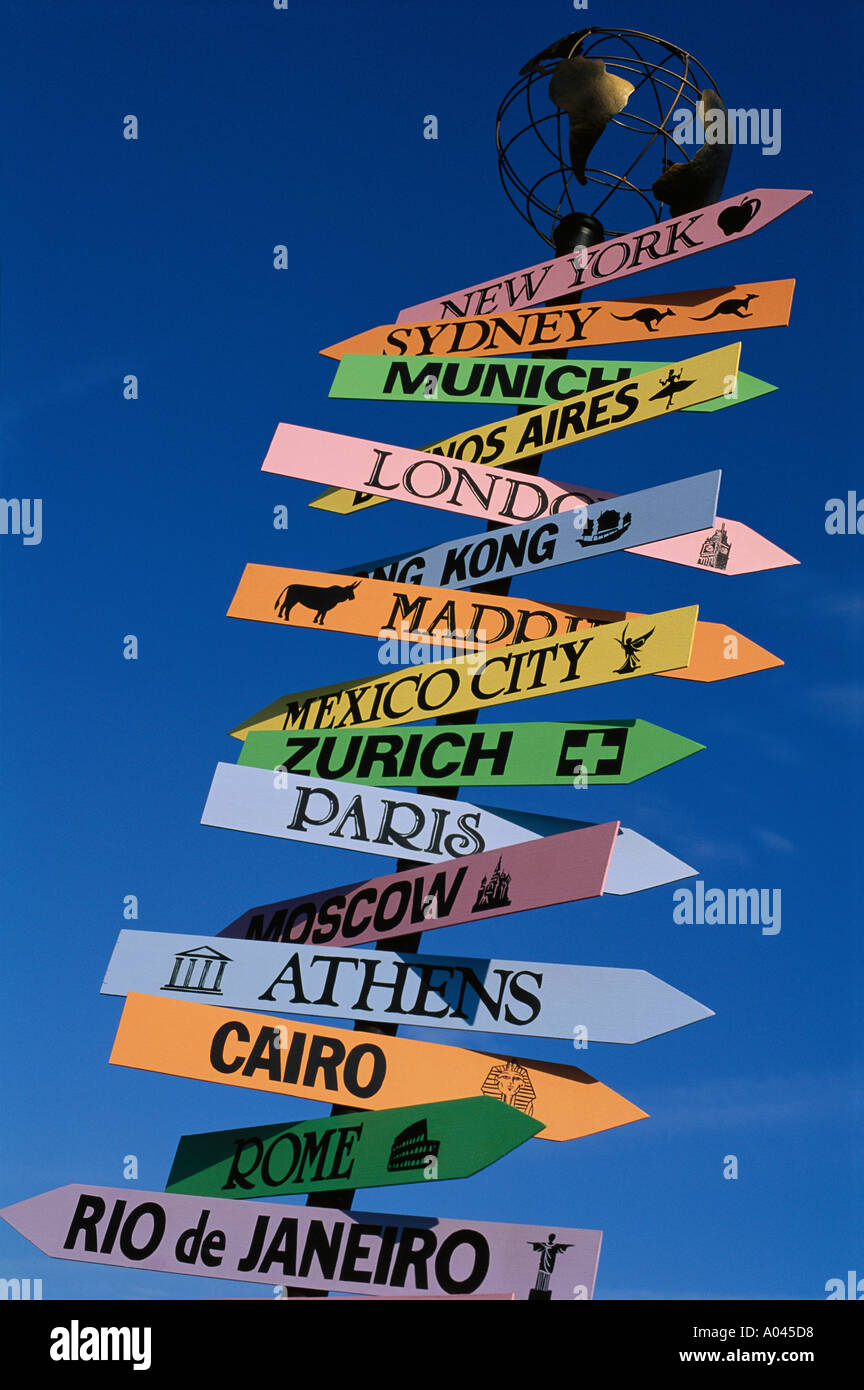 Signpost with major cities of the world - Stock Image