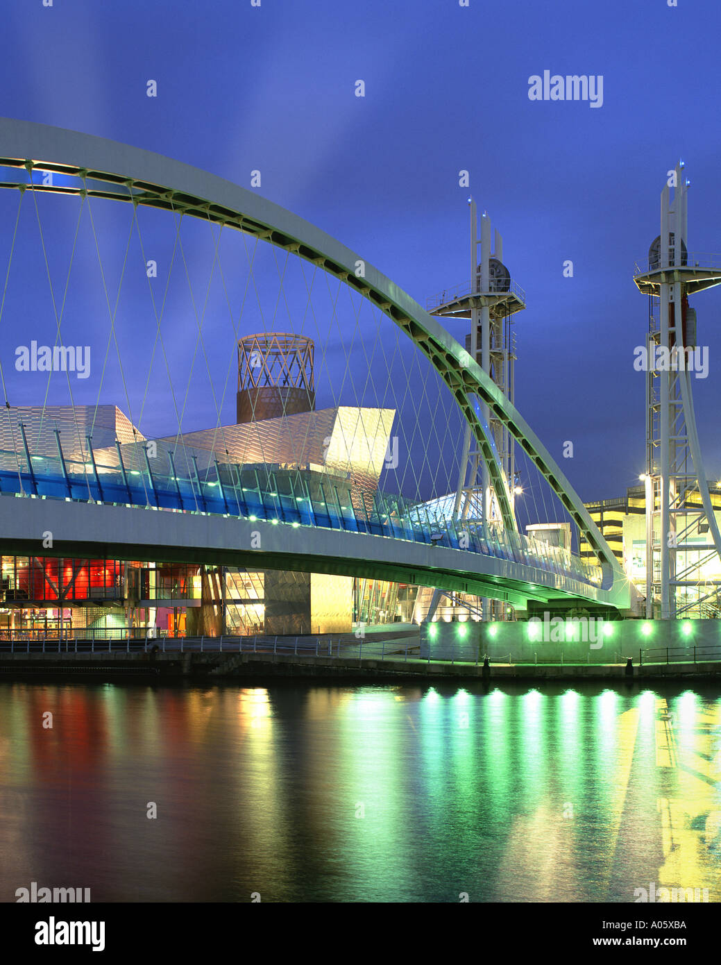 GB - MANCHESTER: The new Lowry Centre at Salford Quay - Stock Image