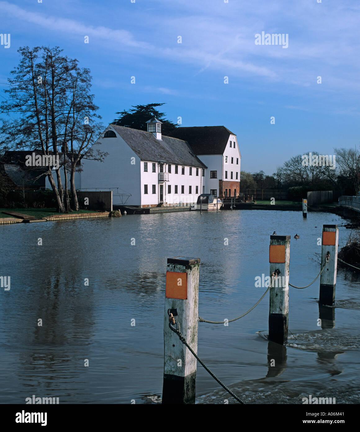 Hambleden Mill River Thames Bucks UK Winter - Stock Image