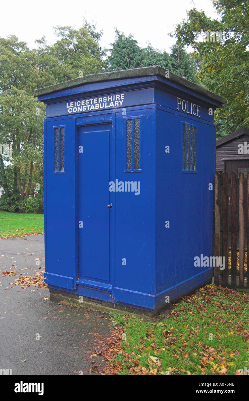 OLD FASHIONED DOCTOR WHO TYPE BLUE POLICE BOX - Stock Image