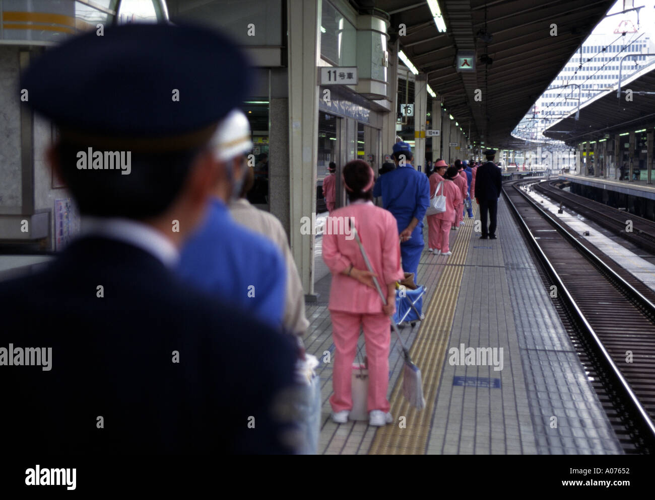 Train Cleaners Stock Photos Amp Train Cleaners Stock Images