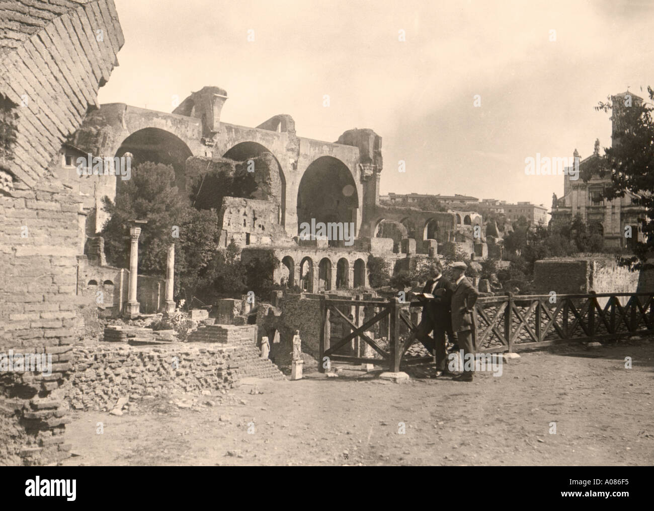 Historic picture Rome Italy 1906 archiological work in the city - Stock Image