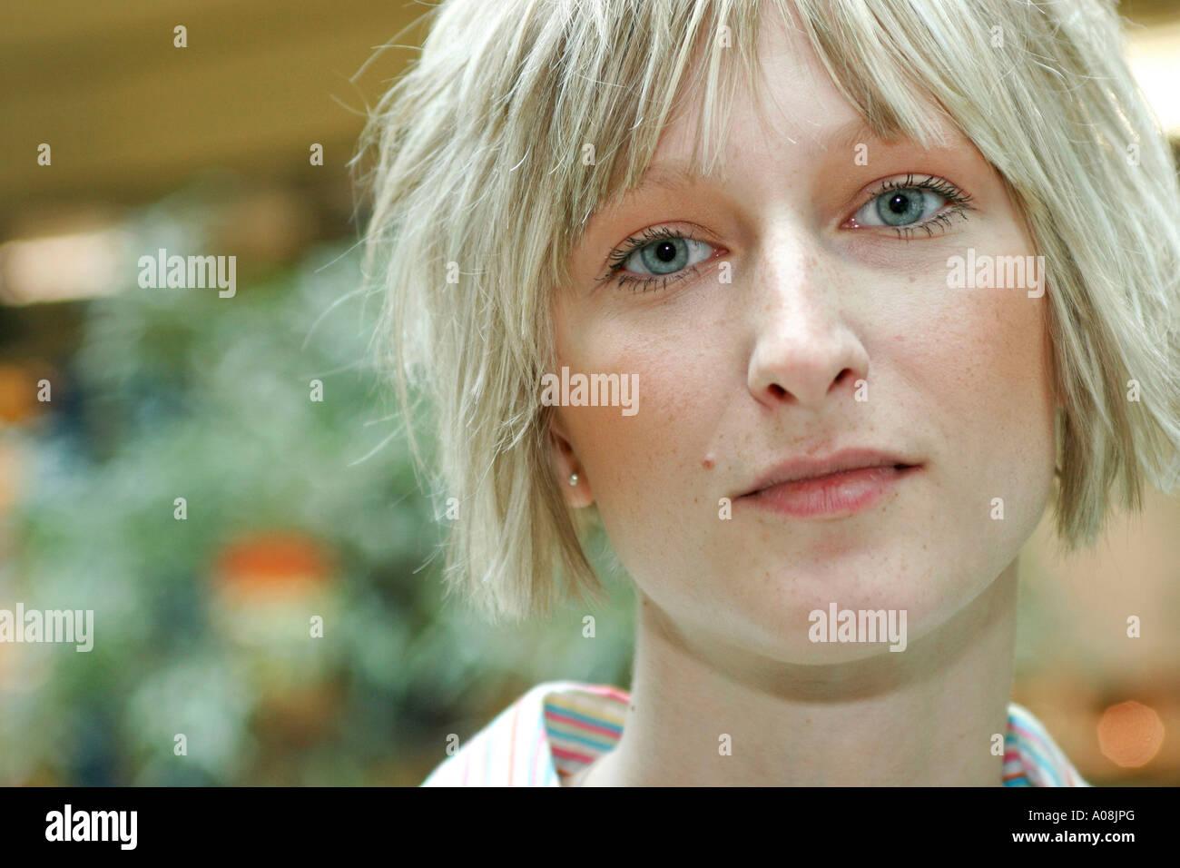Junge blonde Frau, young blonde woman portrait - Stock Image