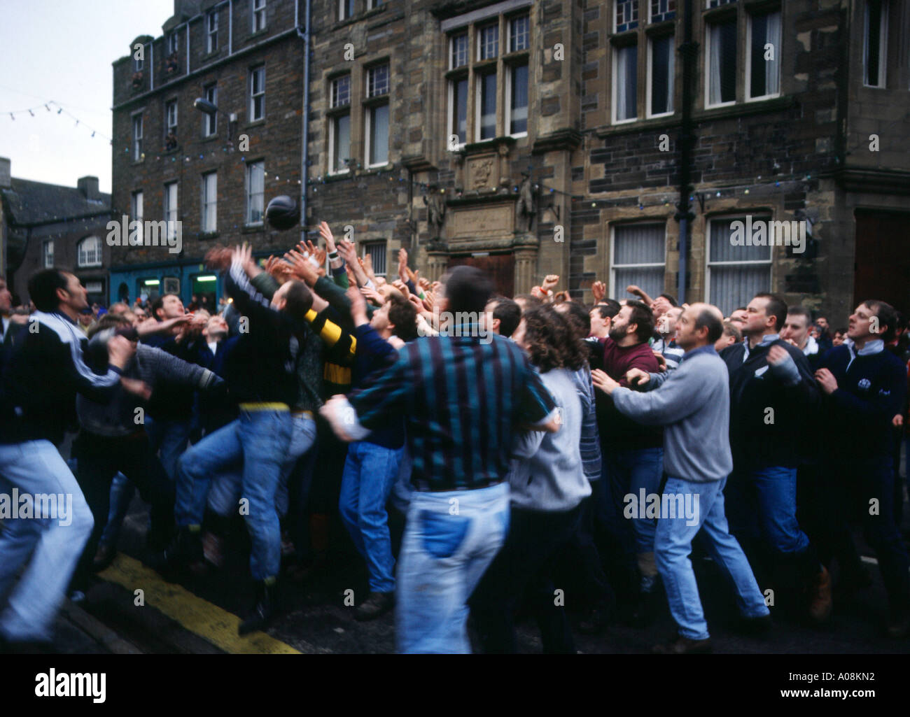 dh The Ba KIRKWALL ORKNEY The start of the 2000 New Years day Ba Stock Photo
