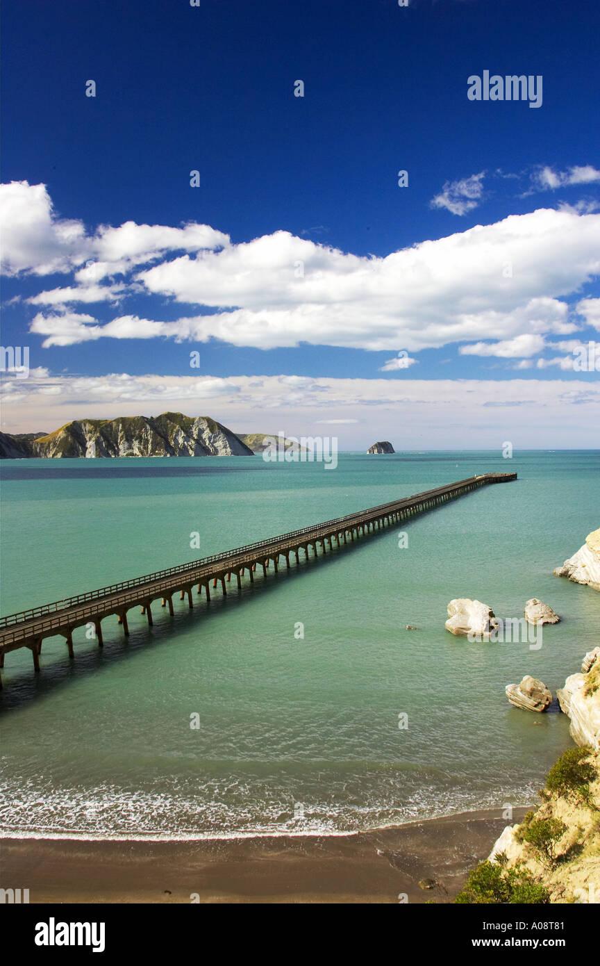 New Zealand s longest pier Tolaga Bay Eastland New Zealand - Stock Image