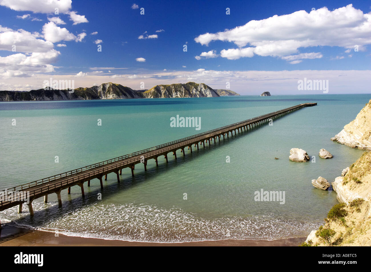 New Zealand s longest pier Tolaga Bay Eastland New Zealand - Stock Image
