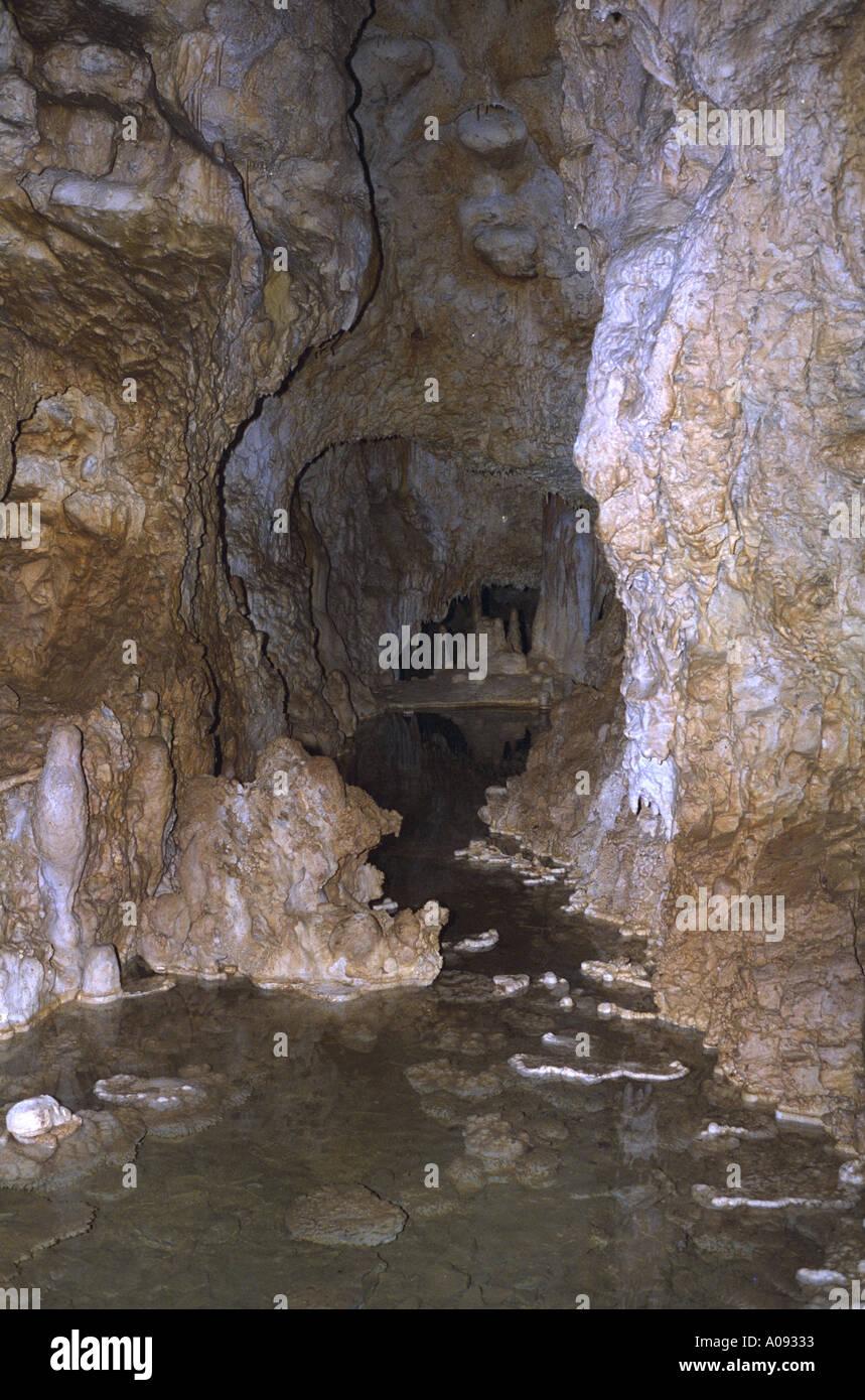 Hoehle FRAENKISCHE Schweiz Germany Bavaria cave stalagtite stalagmite - Stock Image