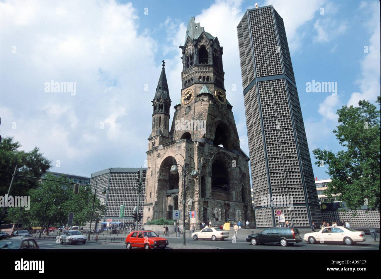 berlin kaiser wilhelm ged chtniskirche church kurf rstendamm stock photo 40903 alamy. Black Bedroom Furniture Sets. Home Design Ideas