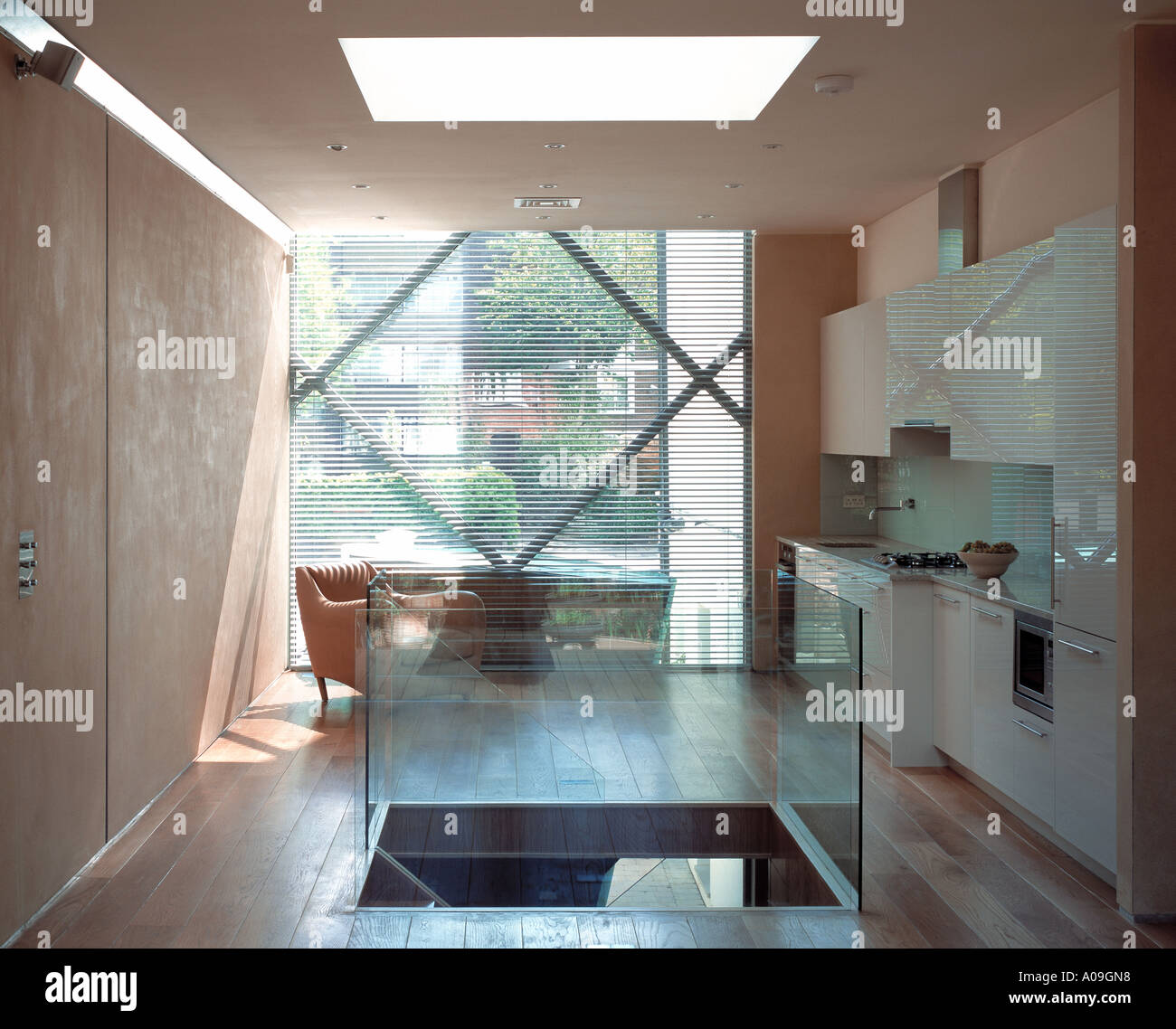 The Small House, Belsize Park. First floor living space. Architect ...