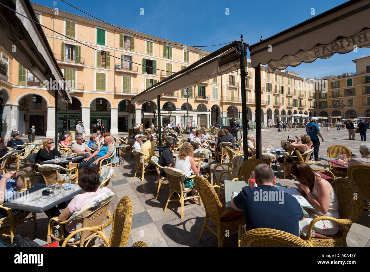 Sidewalk cafe in the  Plaza Mayor (Placa Major), Palma, Mallorca, Balearic Islands, Spain - Stock Image
