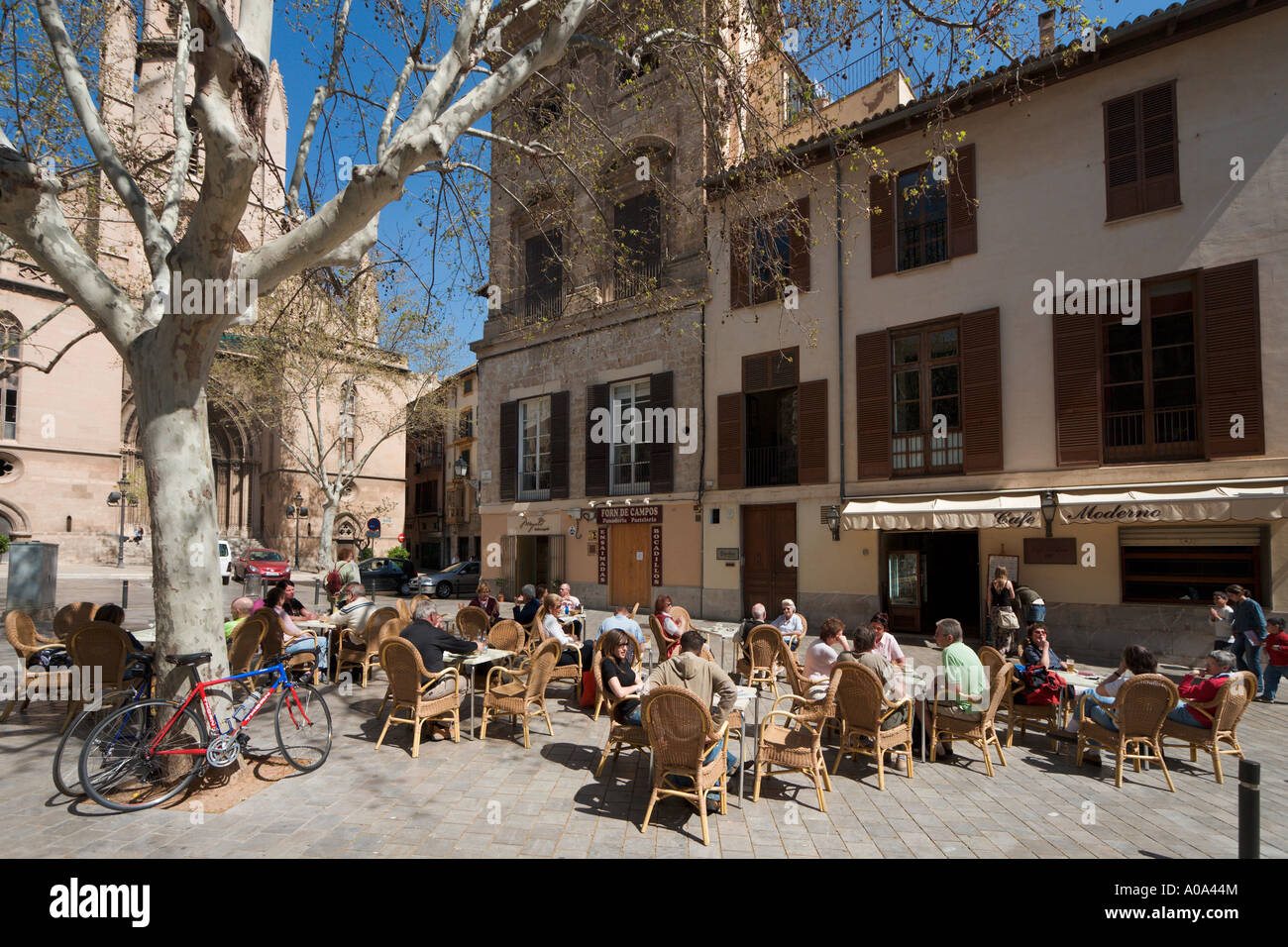 Sidewalk cafe in Placa Santa Eulalia, Historic Centre,  Palma, Mallorca, Balearic Islands, Spain - Stock Image