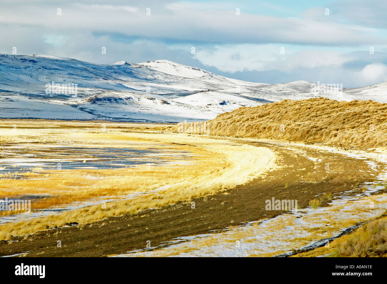 Mostly dry lake basin in Warner Valley Oregon - Stock Image