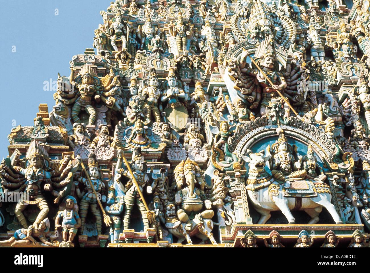 Stucco sculptures. Minakshi Sundaresvara or Meenakshi Amman Temple. Madurai, Tamilnadu, India. Dated: 1100 A.D. - Stock Image
