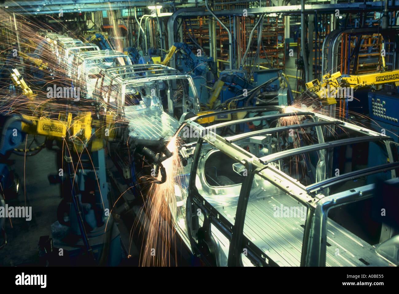 Robots weld van bodies at general motors plant in Baltimore Maryland - Stock Image