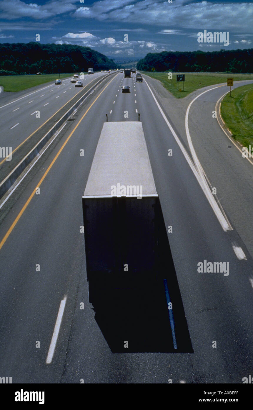 Truck on Maryland highway - Stock Image