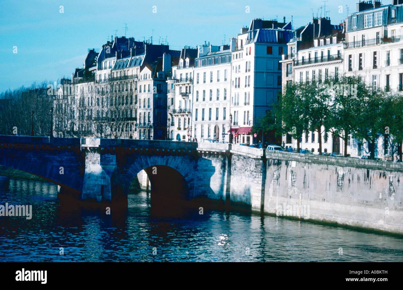 Seine Pont Marie Ile St Louis Saint Quai de Bethune Paris Frankreich - Stock Image