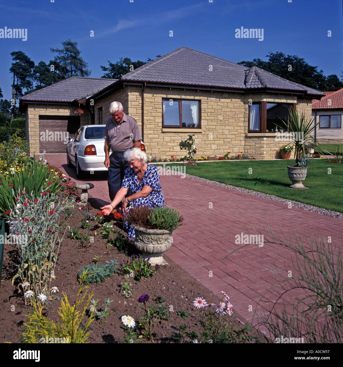 Retirement Bungalows For Sale: Retirement Bungalow Stock Photos & Retirement Bungalow