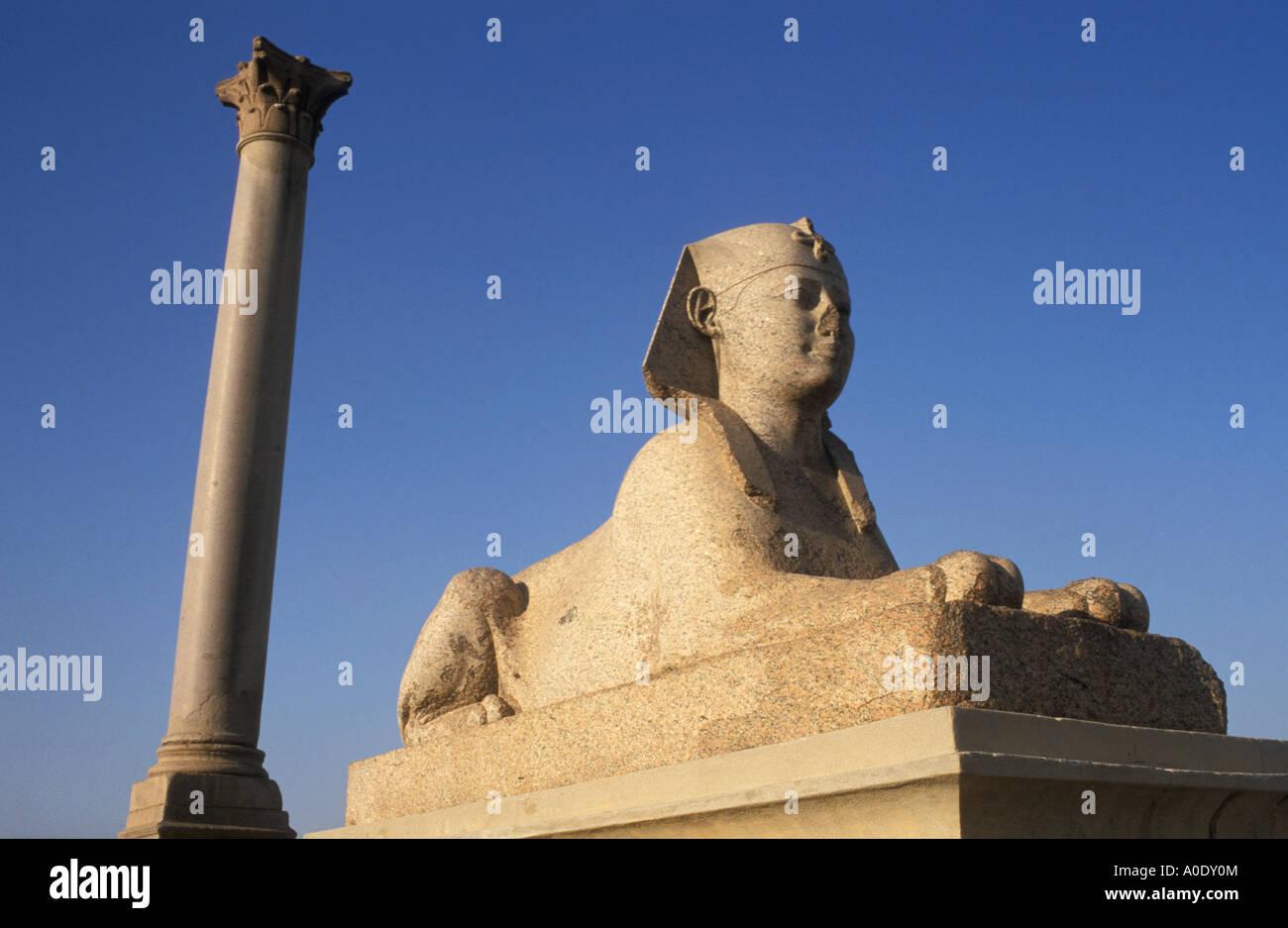 Granite Sphinx and Pompey´s Pillar Alexandria Egypt - Stock Image