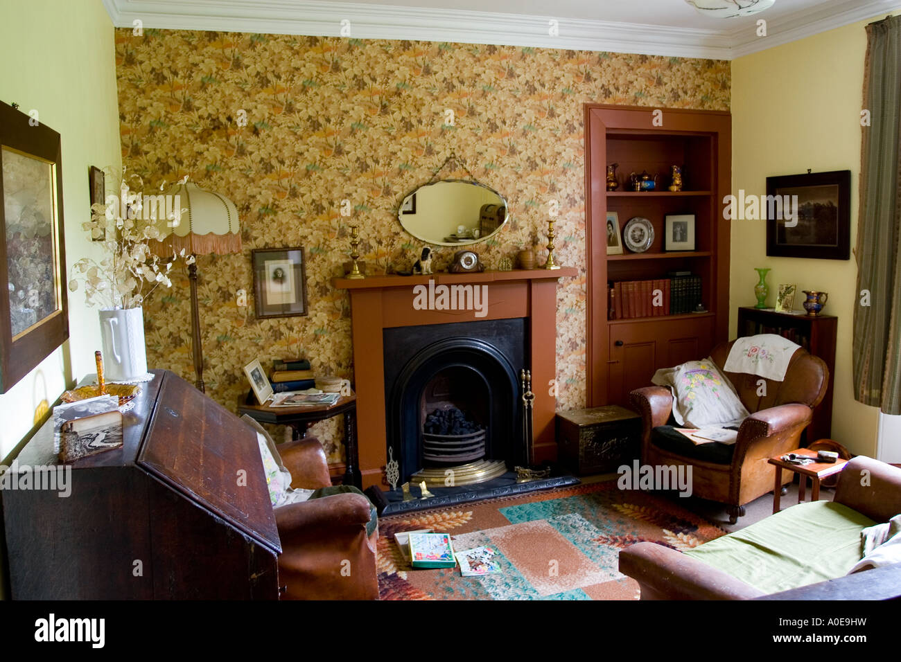 Amazing Old Fashioned Living Room   Stock Image