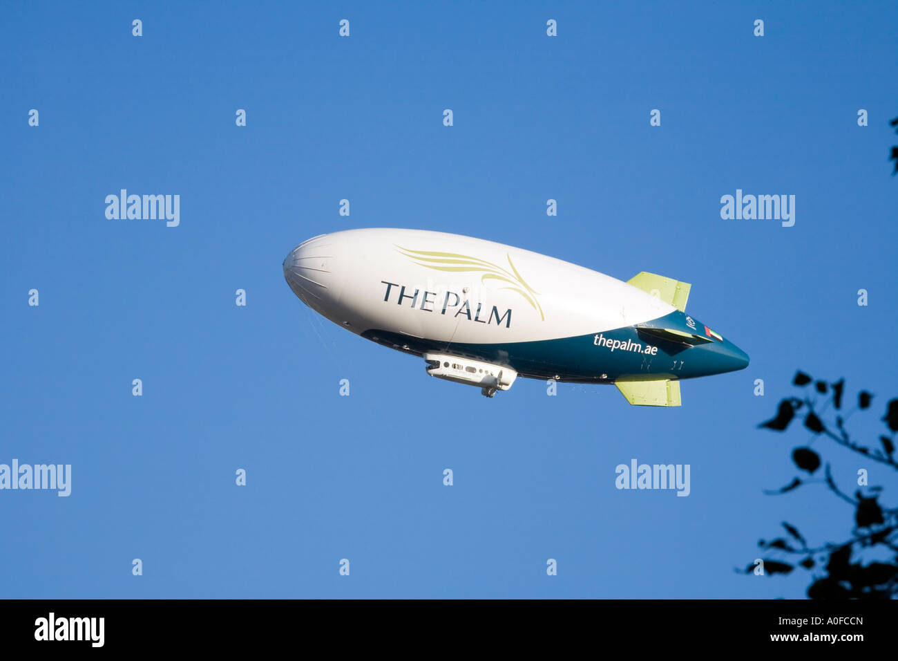 The Spirit of Dubai Airship, the world s largest commercial zeppelin, on its journey from London to Dubai on 9th Stock Photo