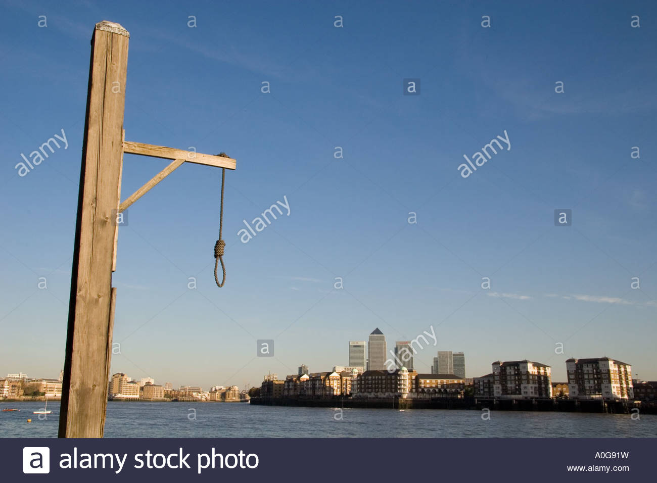 Hangman s noose outside the riverside pub the Prospect of Whitby in Wapping - Stock Image