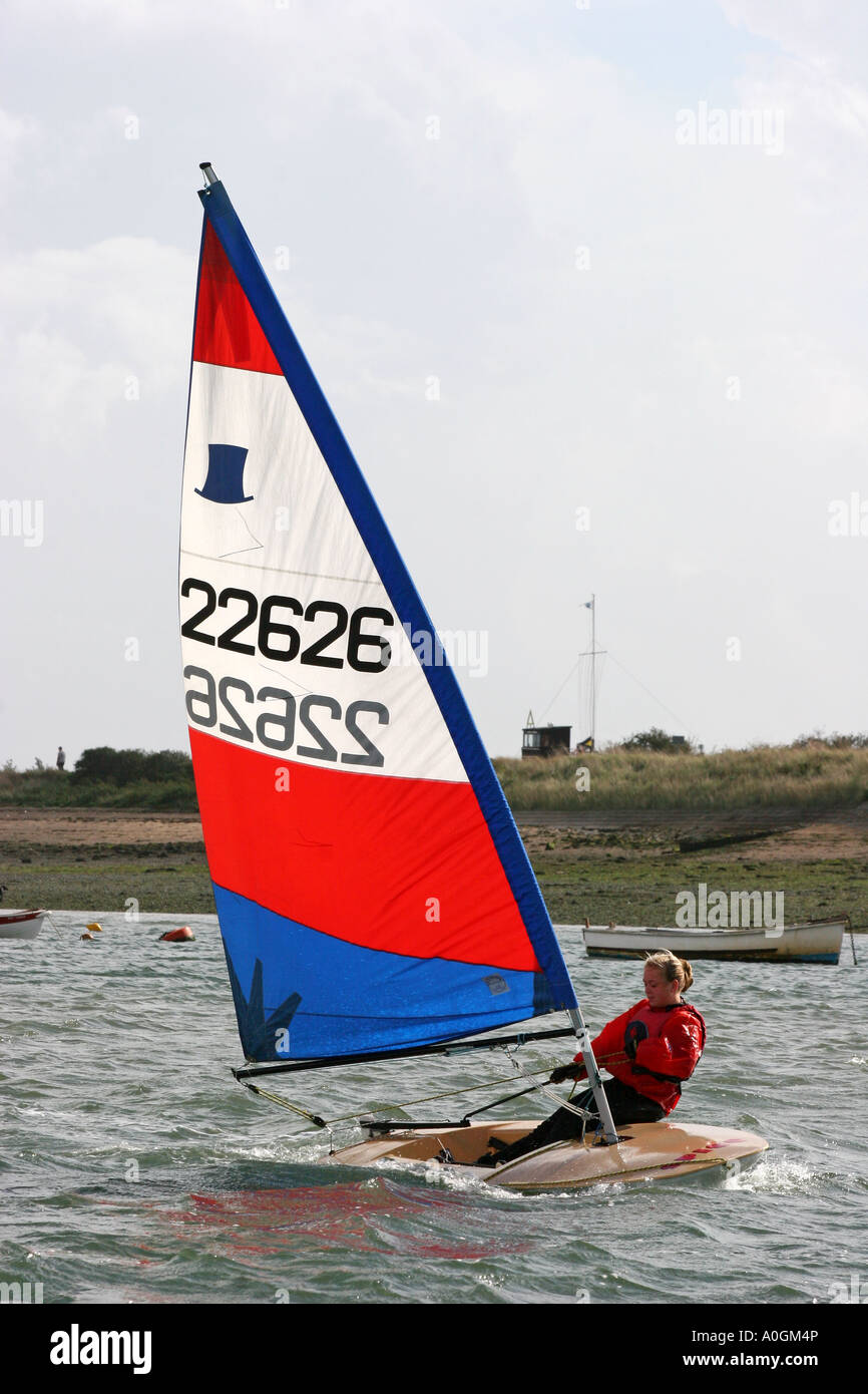 Topper number 22626 red white and blue sail girl saling - Stock Image