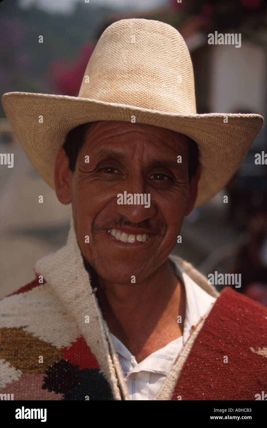 Guatemala La Antigua colonial capitol until earthquake Cakchiquel Indigenous man - Stock Image