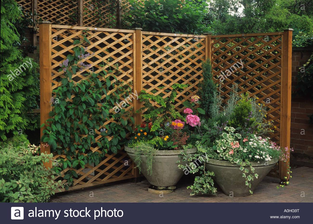 Private garden Wolverhampton Portable trellis fencing hiding Stock