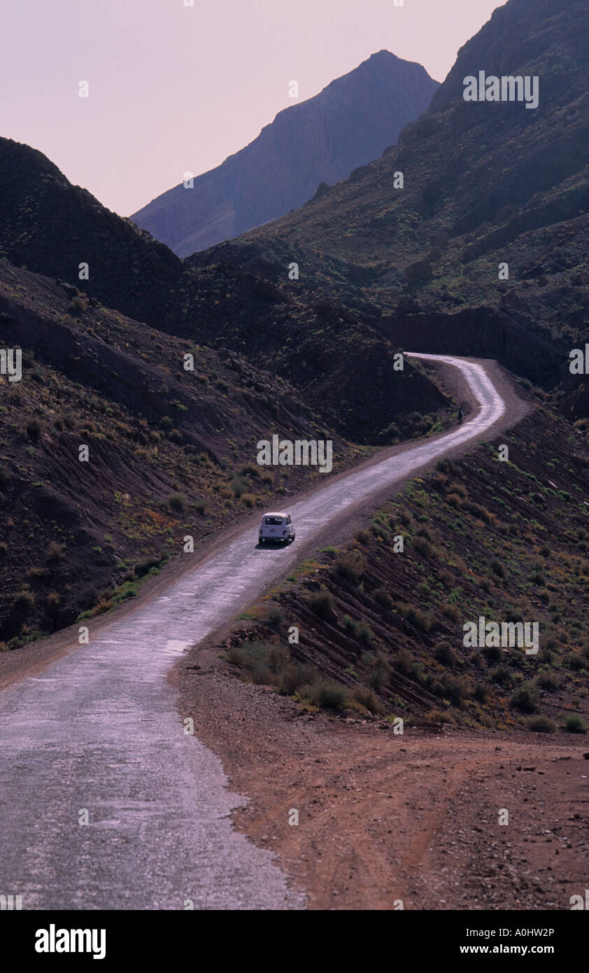 atlas mountains desert road drive nowhere africa morocco - Stock Image