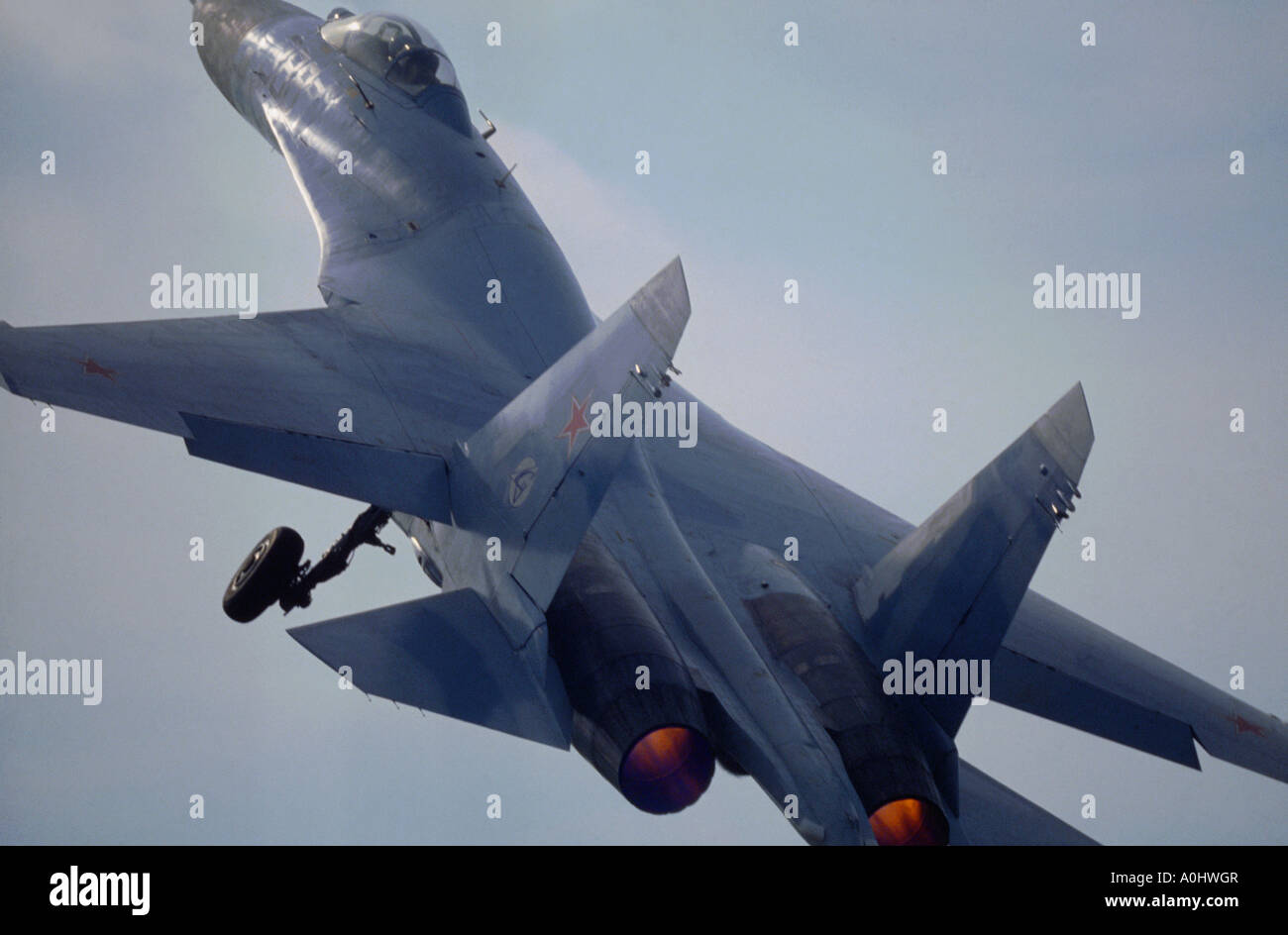 Sukhoi Su-27 Flanker takes off - Stock Image