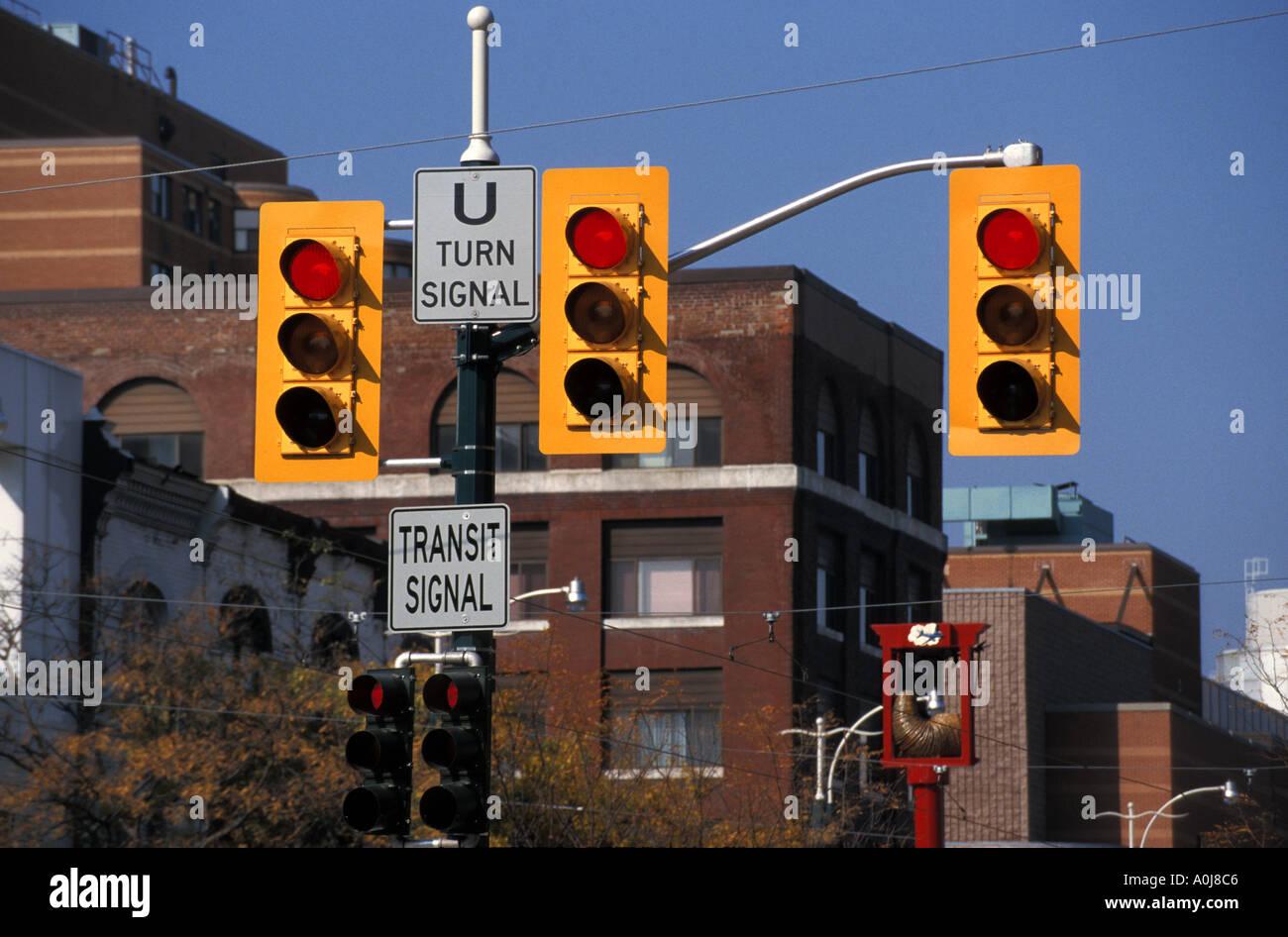 Canada Toronto Traffic Lights & Canada Toronto Traffic Lights Stock Photo: 1845445 - Alamy