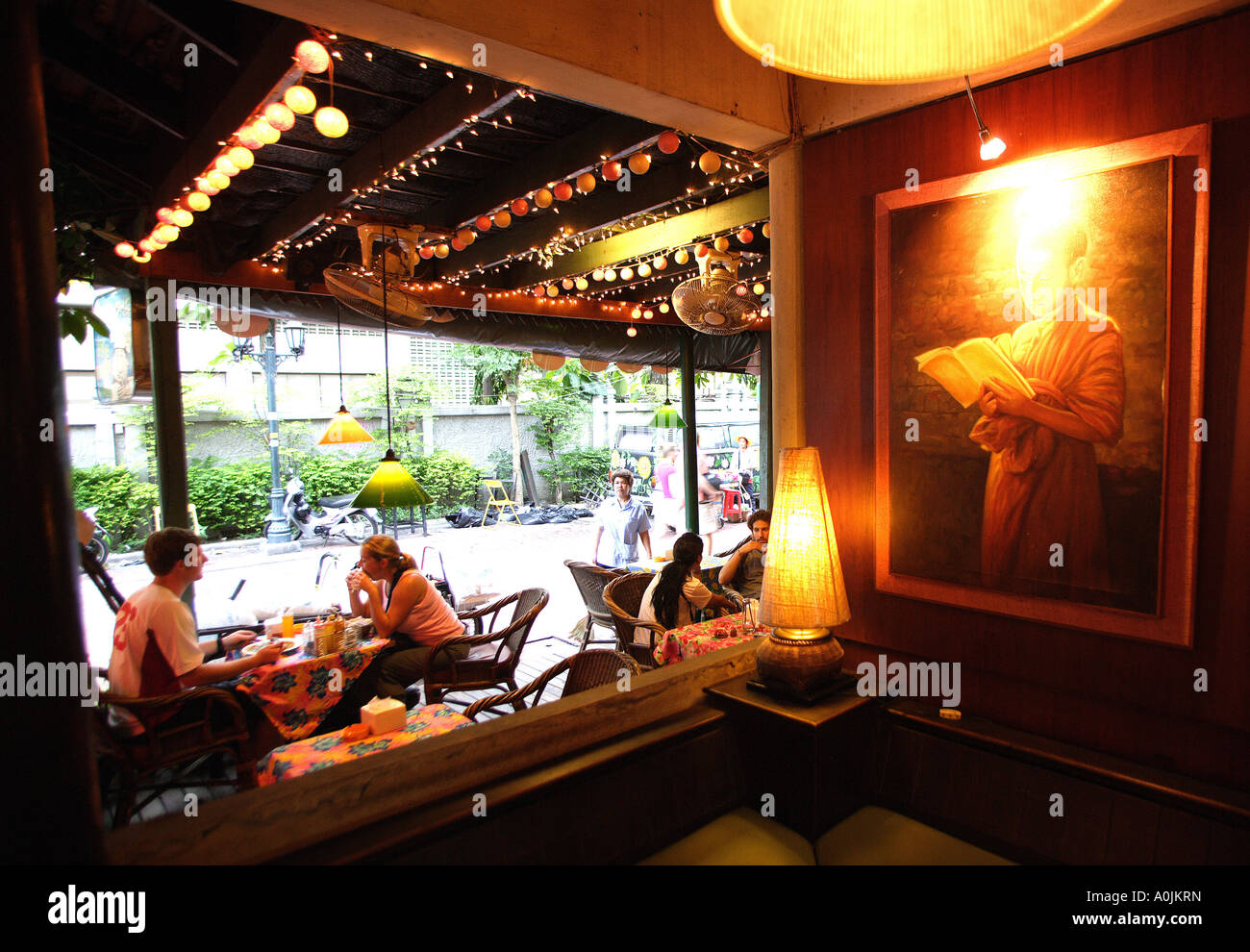 New stylish hotels and bars in Khao San Road area backpacker land in ...