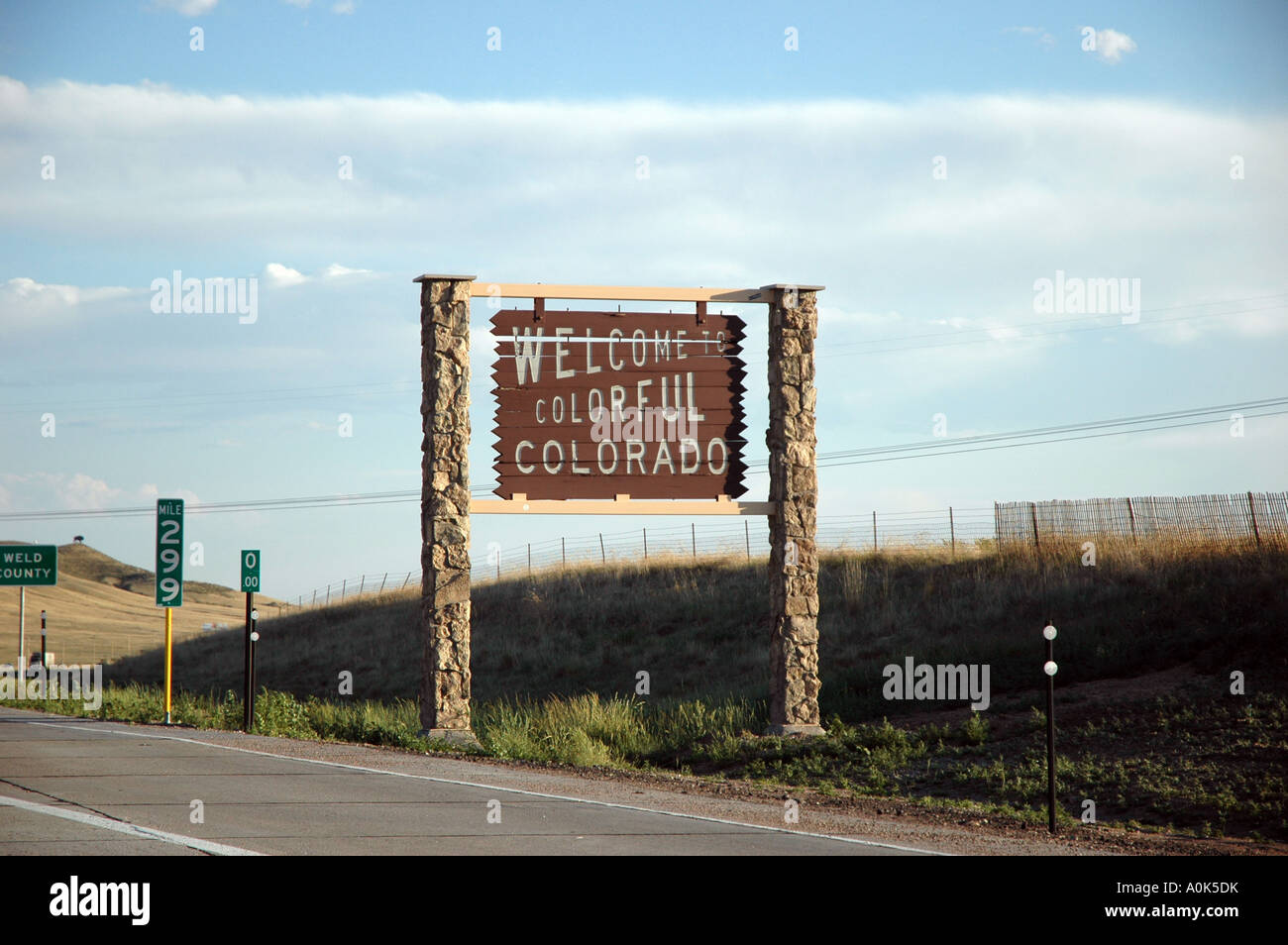 P31 142 Welcome to Colorado sign - Stock Image