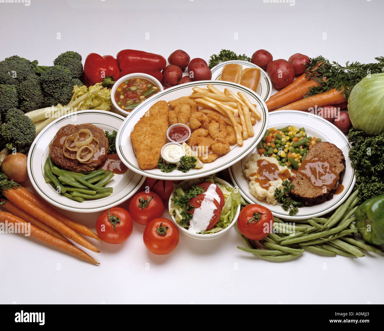 3 three dinner plate platters salisbury steak meat loaf meatloaf filet fish shrimp breaded seafood french fry fries vegetable : dinner plate in french - pezcame.com