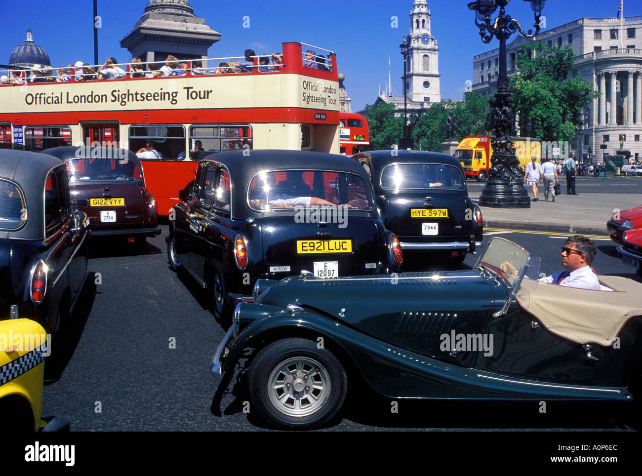 TRAFFIC JAM AT TRAFALGAR SQUARE LONDON - Stock Image