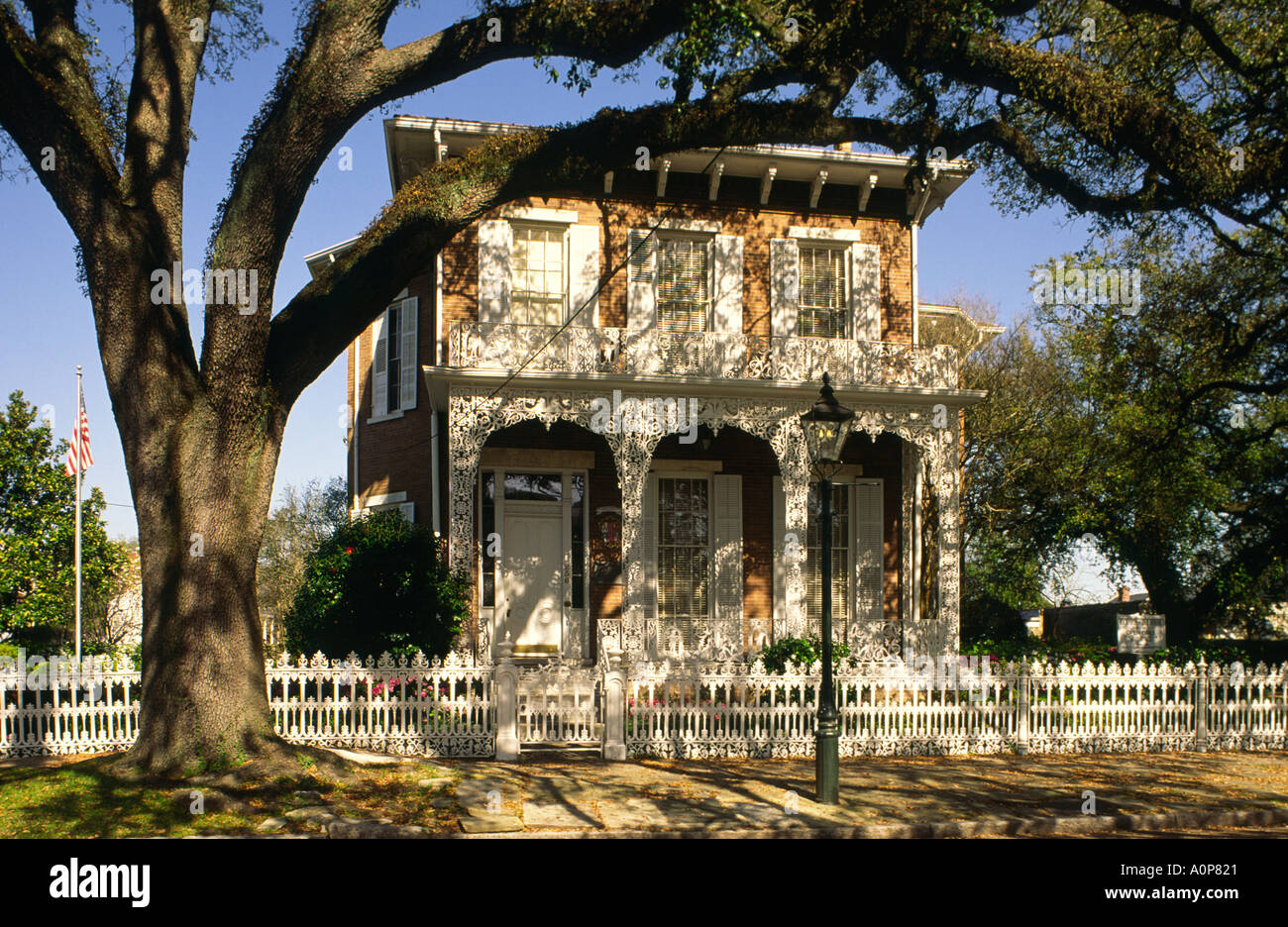 The Richards DAR House circa 1860 in town of Mobile, Alabama, USA. Now a museum run by the Daughters of the American Revolution - Stock Image