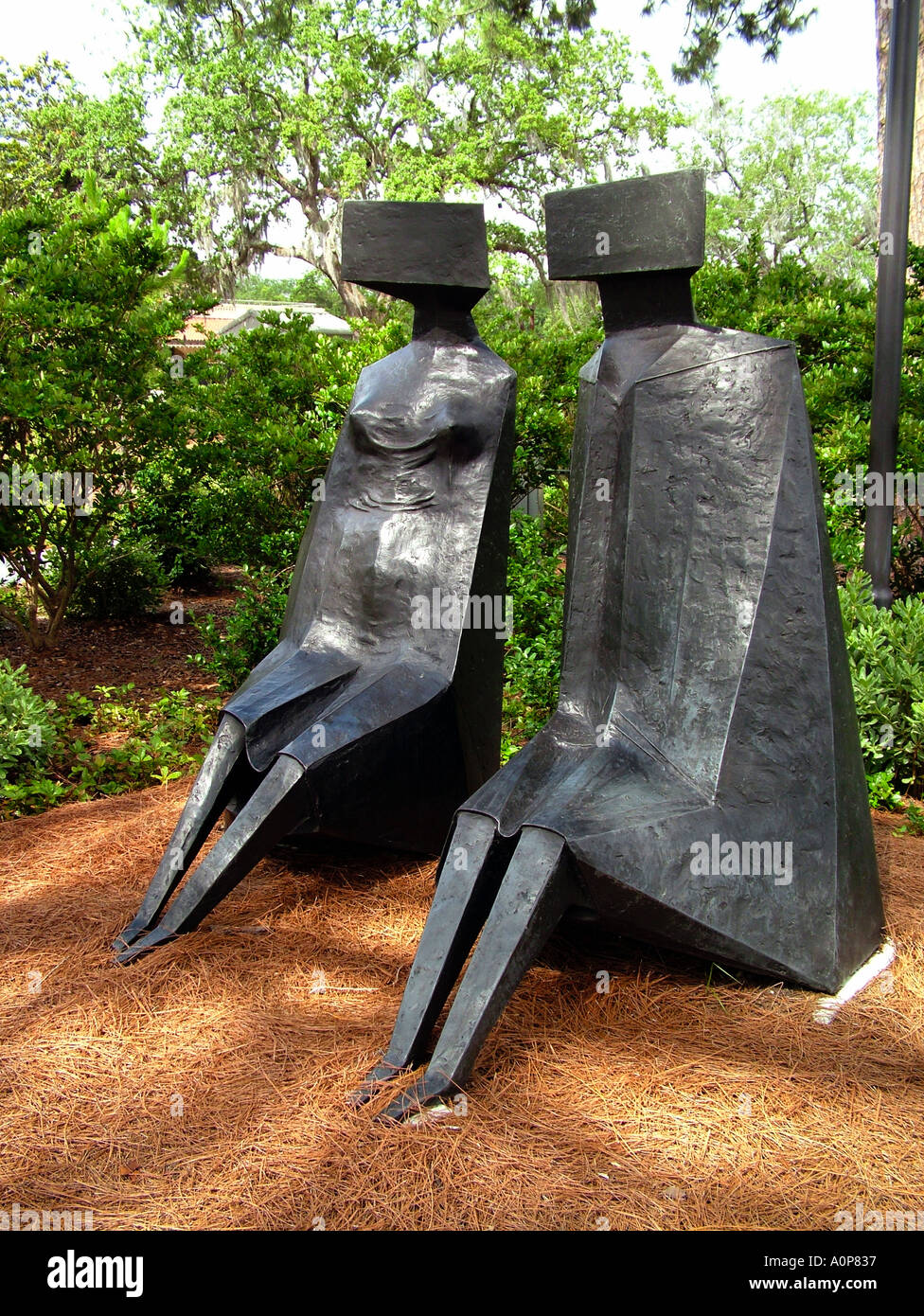 Lynn Chadwick Two sitting figures Sydney and Waldha Besthoff Sculpture garden at the New Orleans Museum of Art Louisiana USA - Stock Image