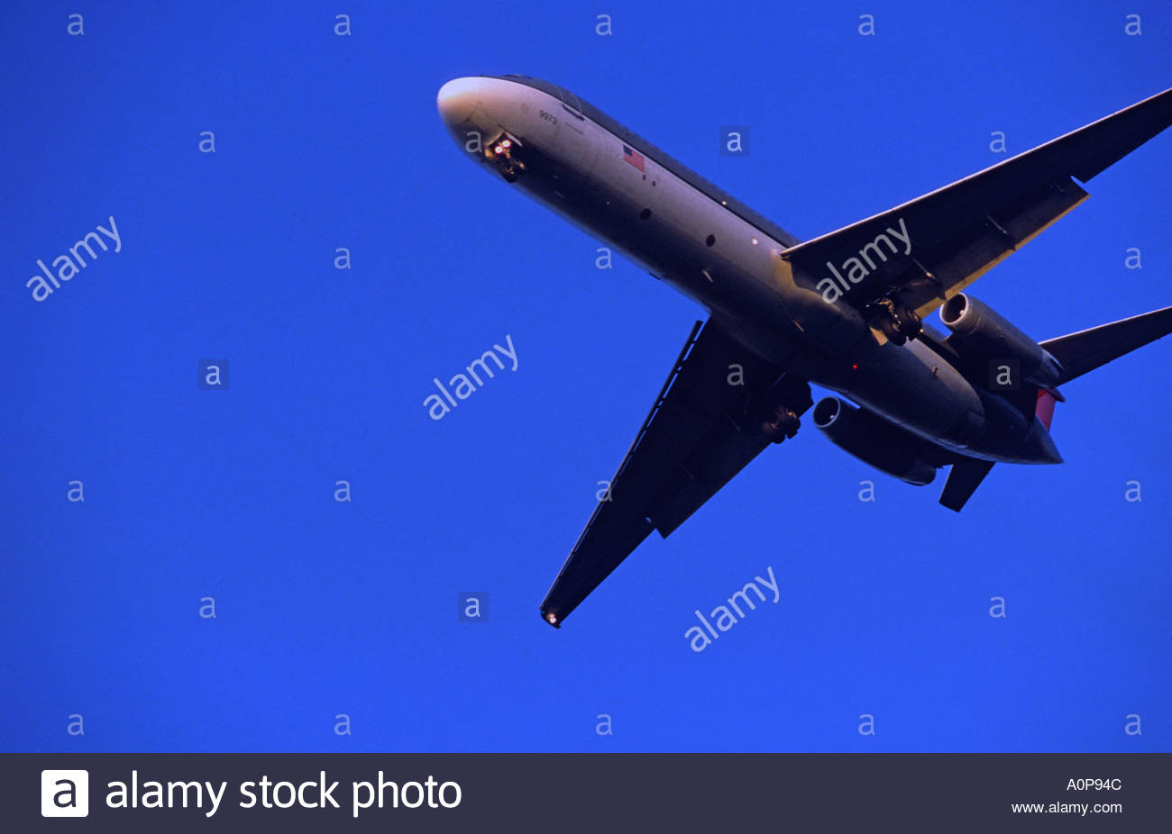 Commercial airliner on approach - Stock Image