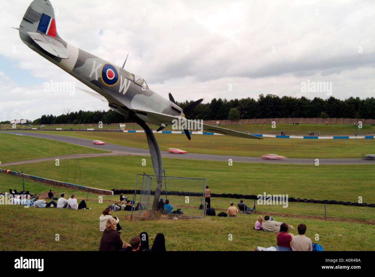 spitfire at castle donnington race circuit spritire world war two