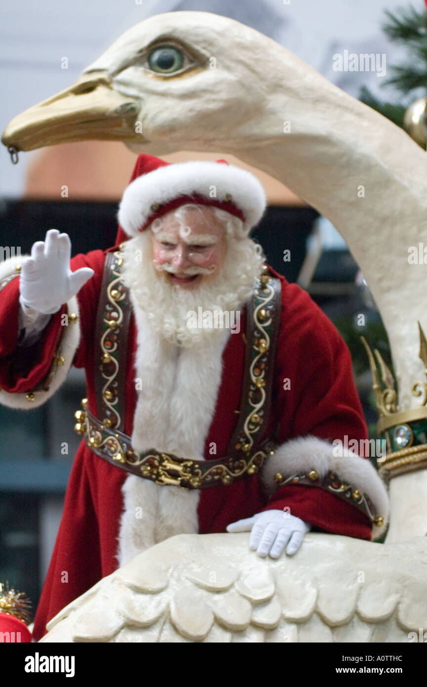 Santa Claus or Father Christmas in the 2005 Macy\u0027s