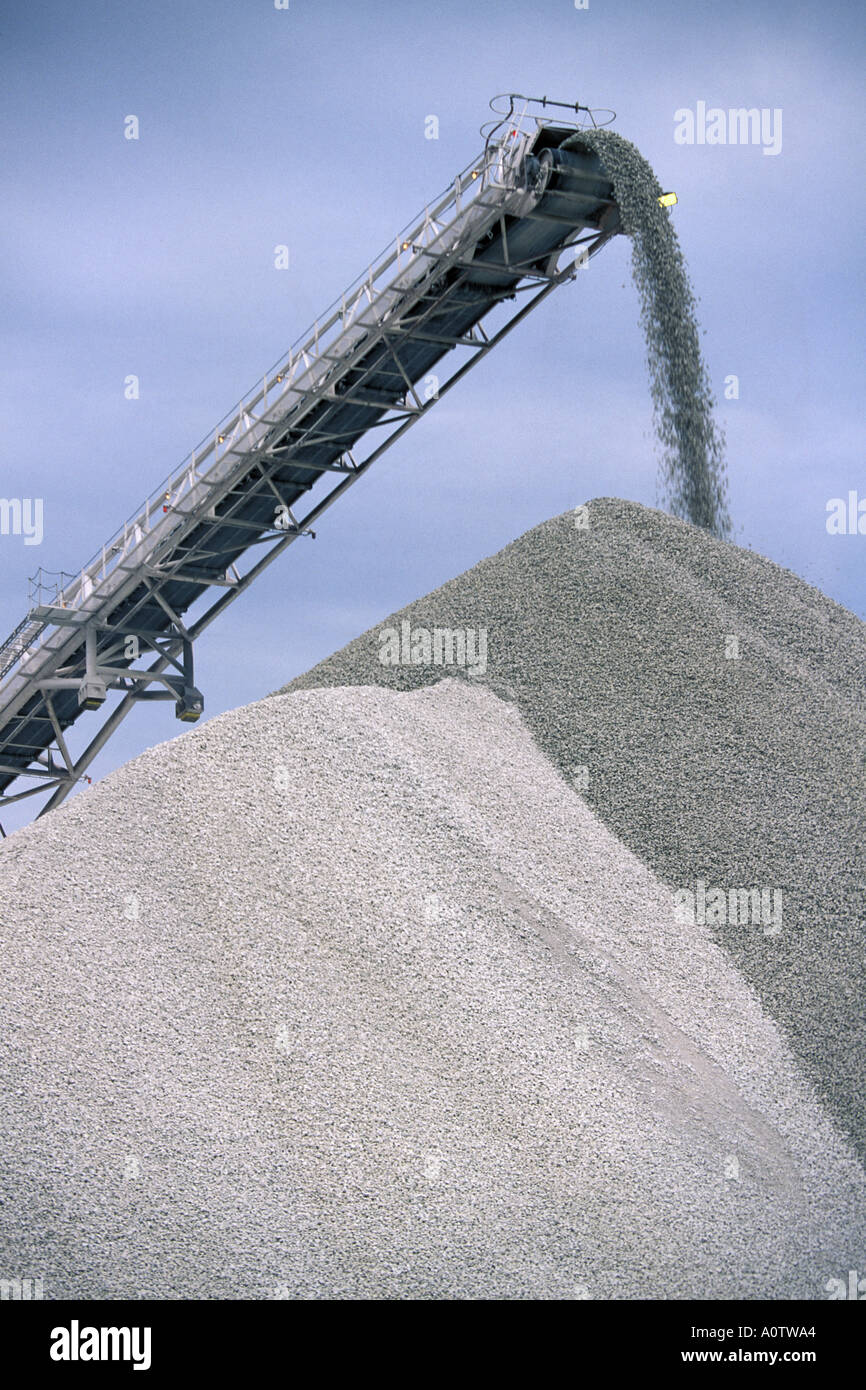 Quarry conveyor moving tons of crushed rock Stock Photo: 3287459 - Alamy