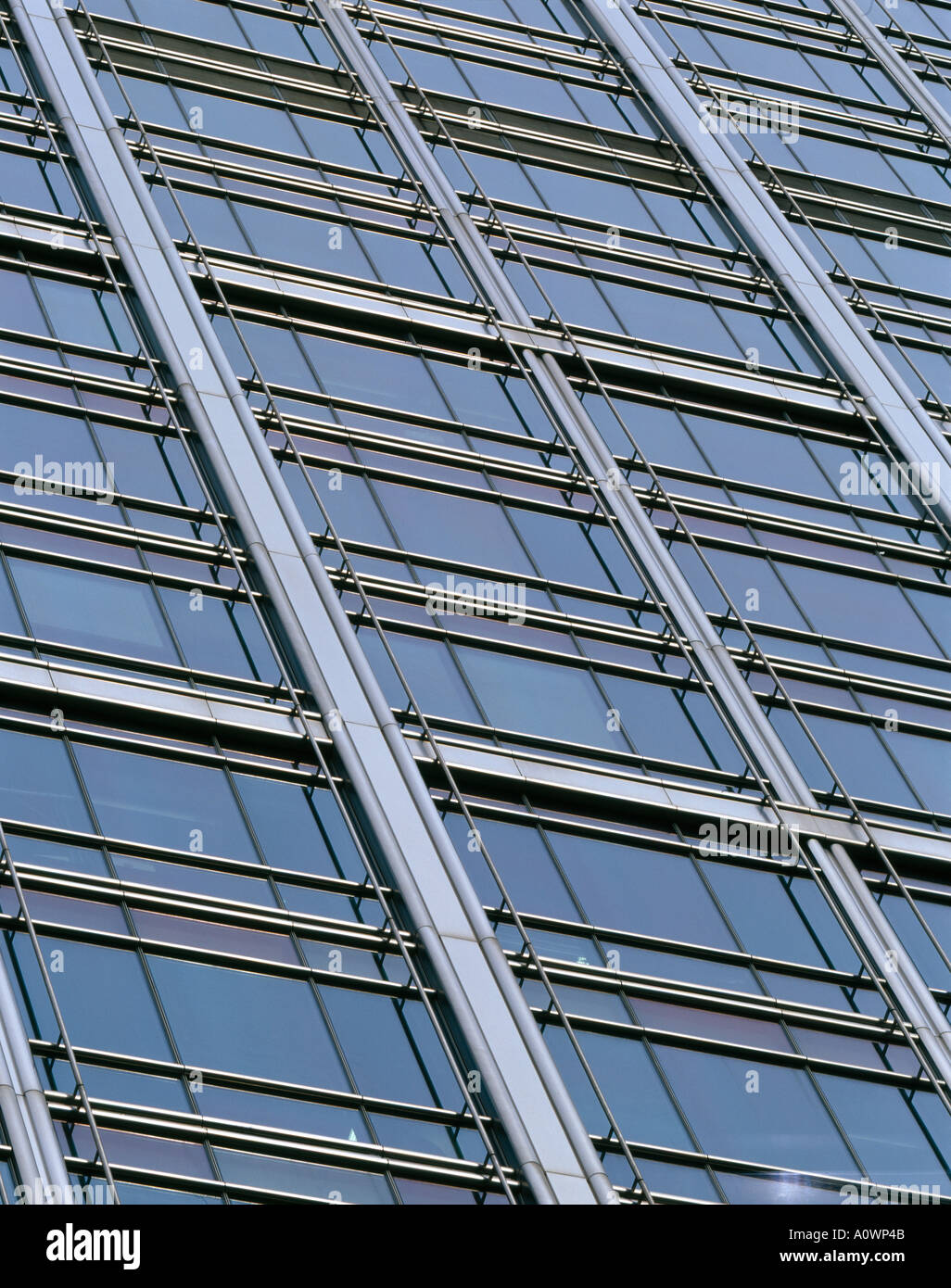 Canary Wharf, Docklands, London. Detail of fenestration. Architect: Cesar Pelli and Associates - Stock Image