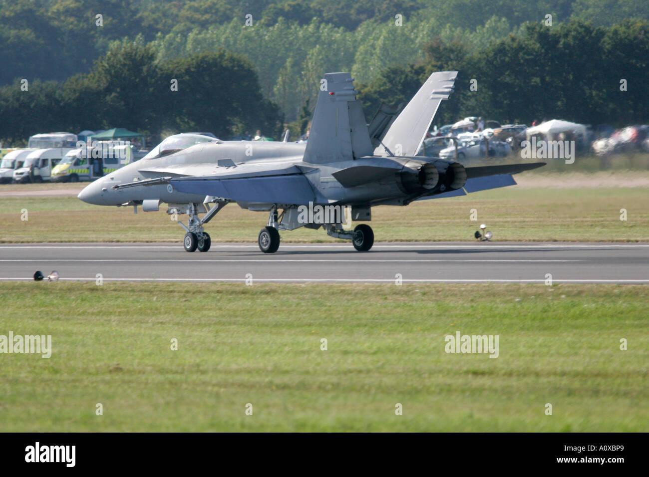 Finnish AF F 18C Hornet comes to a halt on runway RIAT 2005 RAF Fairford Gloucestershire England UK - Stock Image