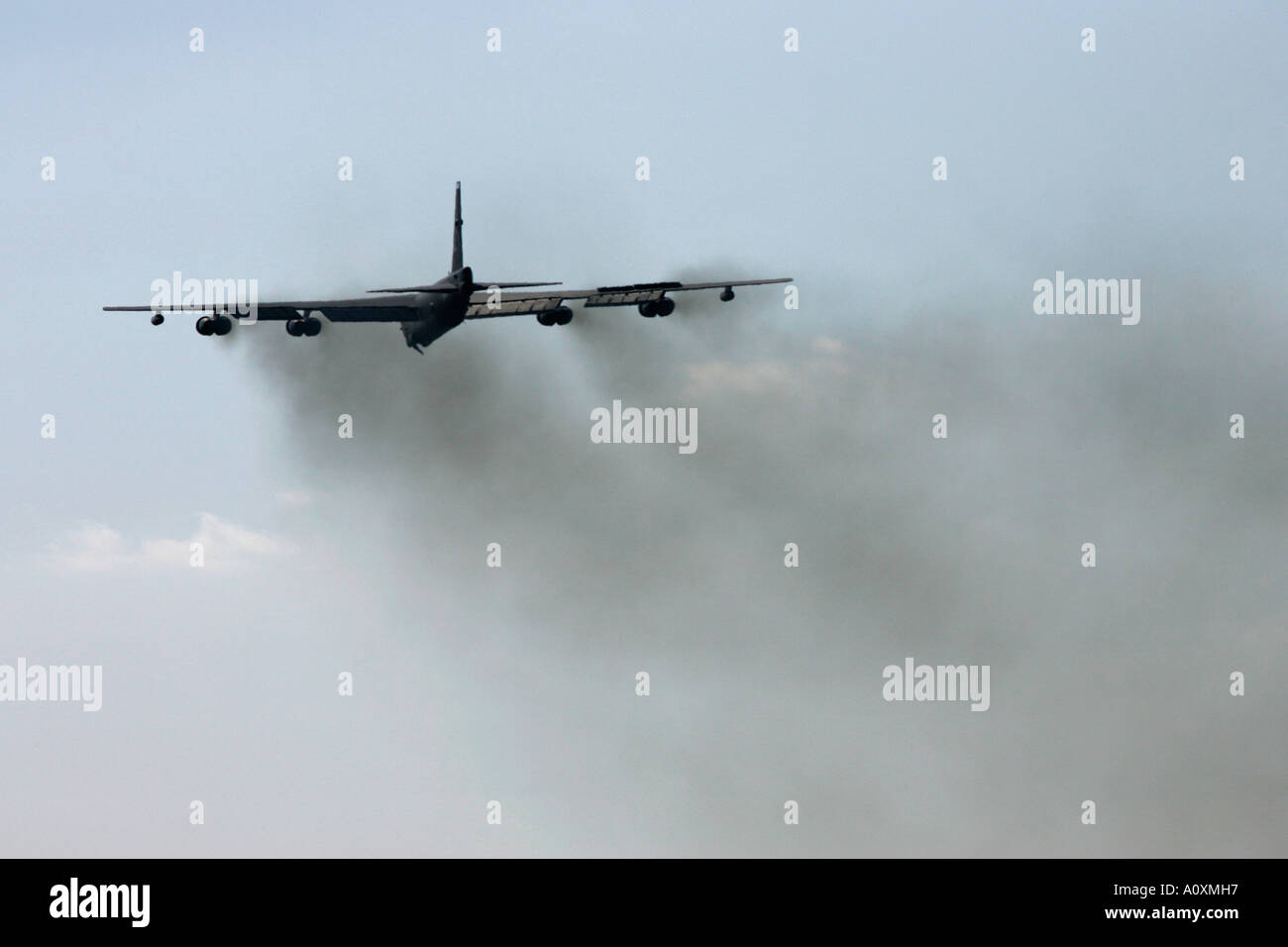 USAF B 52H takes off at RIAT 2005 RAF Fairford Gloucestershire England UK - Stock Image