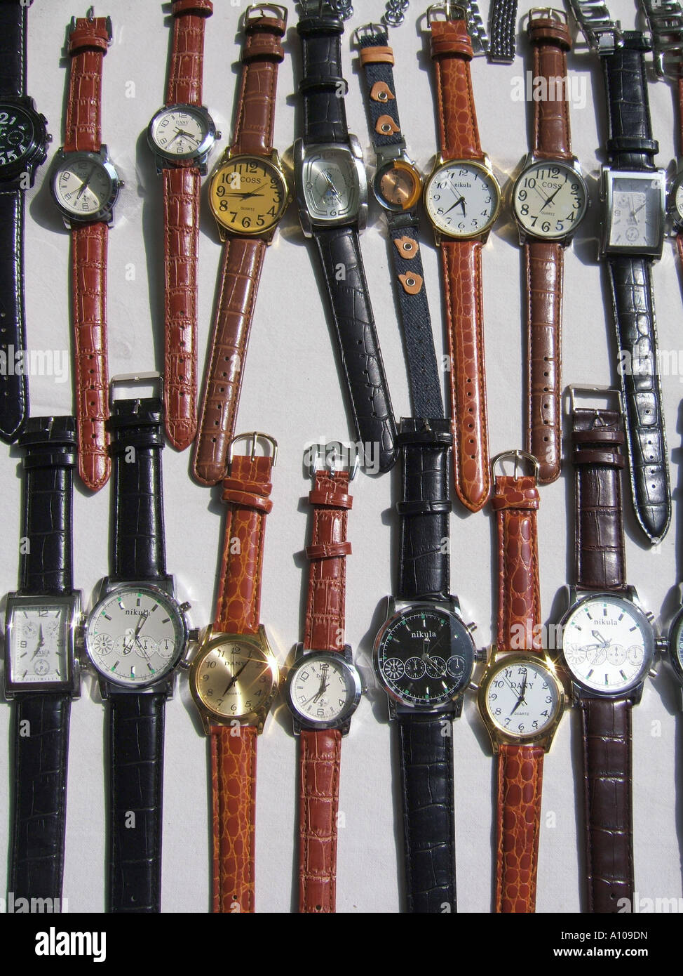 watches in shop window display Stock Photo: 10101104 - Alamy
